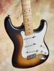 Fender-buddyholly-14
